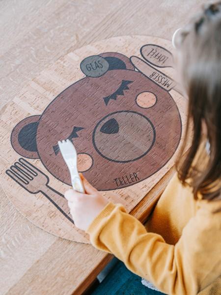 CLARISSAKORK Kork Unterlage Tischset Enjoying Bear