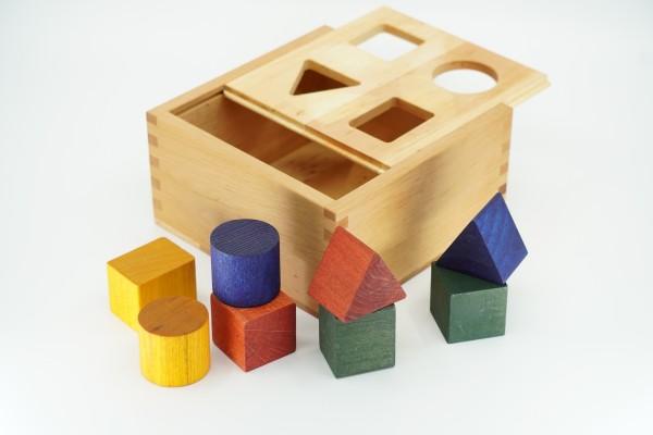 """Wooden Story Sortierbox """"Rainbow Shape Sorter Box"""" Holz bunt, regenbogenfarben"""